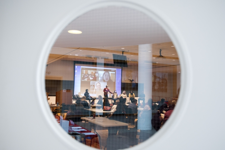 Conference seen through round window